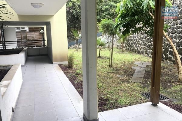 A louer un bel appartement T2 avec jardin à Bellepierre - résidence Domaine des Papangues