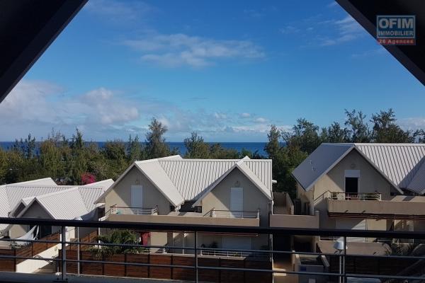 A louer appartement T4  spacieux avec vue mer  face au lagon de Saint Leu