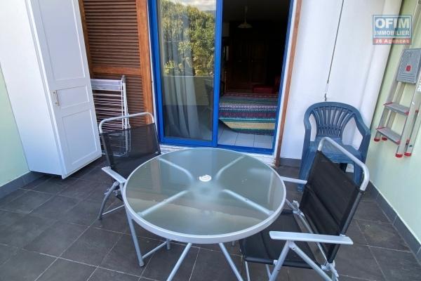 A louer grand studio meublé rue Ste Marie dans la résidence Capella à St Denis