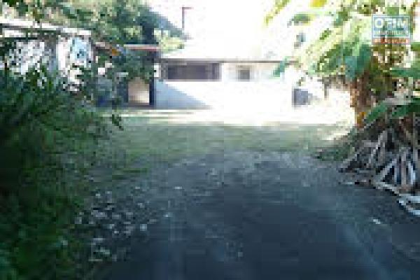 a louer villa F4 à la saline les hauts, rue Nehoua, proche route des tamarins, barrage