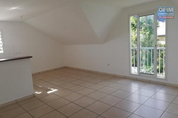 A louer joli appartement de type F2 d'environ 42 m² proche centre ville St Joseph