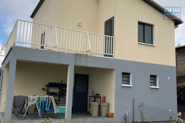 A louer jolie villa récente de type F4 d'environ 106 m² au Tampon 19 éme