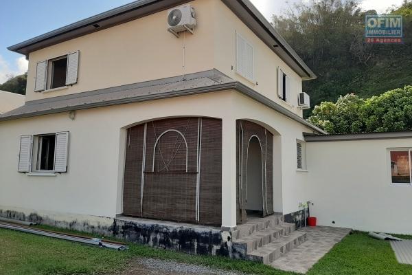 A louer jolie Villa f5 avec cour clôturée