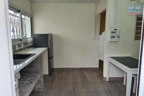 A louer magnifique appartement neuf ( MEUBLE ) au centre ville du Tampon