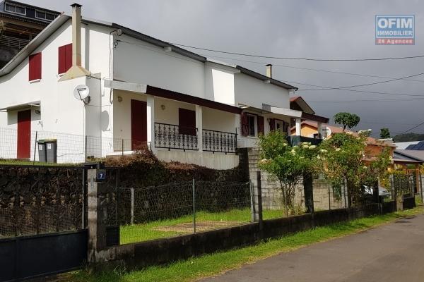 Duplex 80 m2 F4 Proximité du Centre Plaine des Cafres 23 kms