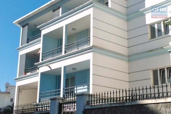 A louer cet appartement de type F1 sur la résidence ADOLPHE à Sainte Clotilde.
