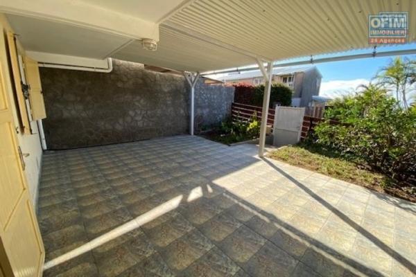 A louer bas de maison  type T1bis, (indépendante)  de 29 m2 avec grande varangue et jardin à La Montagne