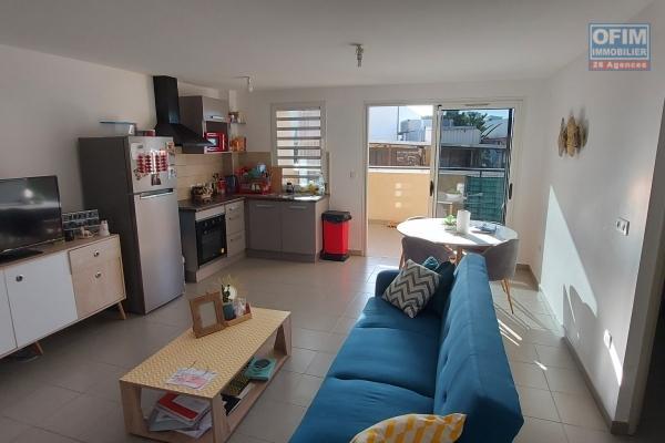 A vendre très beau T2 de plus de 47m2 habitable dans la résidence les Coquelicots IV à Sainte-Clotilde