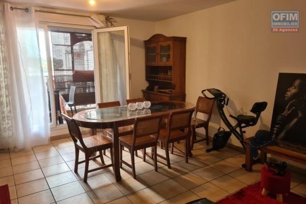 A louer joli appartement MEUBLE de type F2 d'environ 43 m² le Tampon centre ville