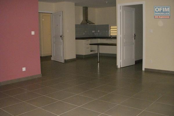 Louer grand appartement F3 en RDJ sur la Possession ( Moulin Joli )
